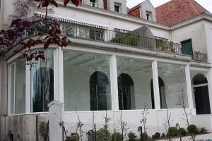 referencias de trabajos de san juan de luz con ventanas exteriores de aluminio blanco
