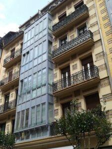 Mirador de PVC en color gris en 4 plantas